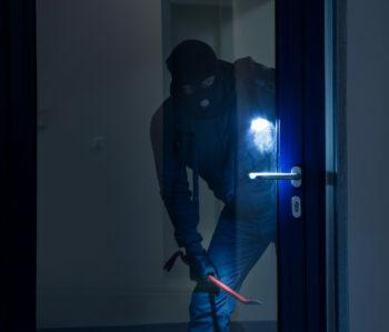 Einbrecher beim Einbruch